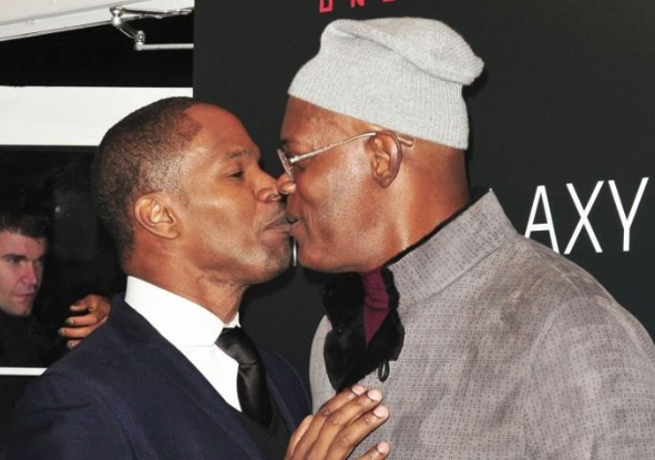 Samuel L Jackson and Jamie Foxx…Kissing